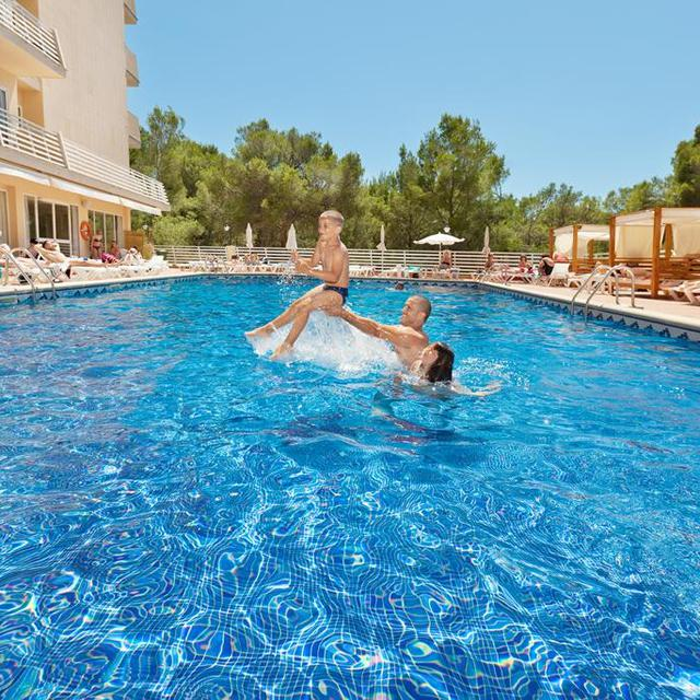 Hotel Azuline Bahamas aanbieding