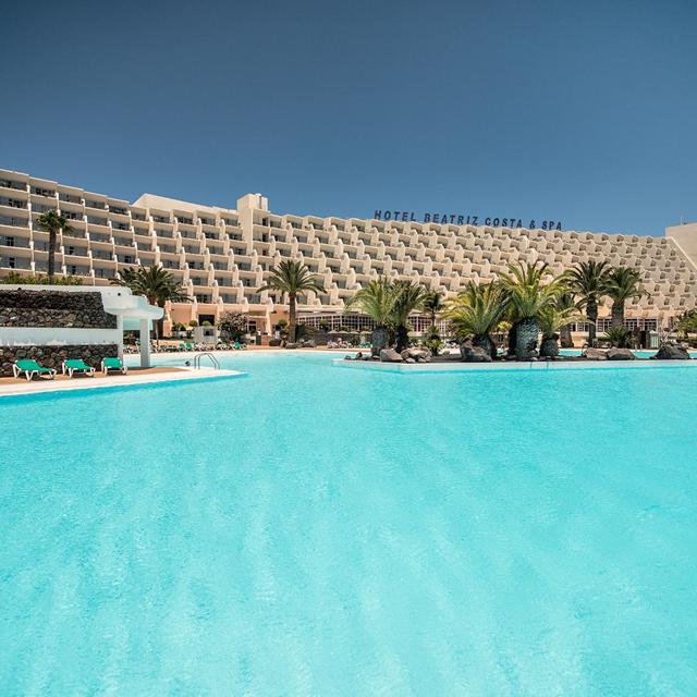 Hotel Beatriz Costa Teguise & Spa – logies & ontbijt aanbieding