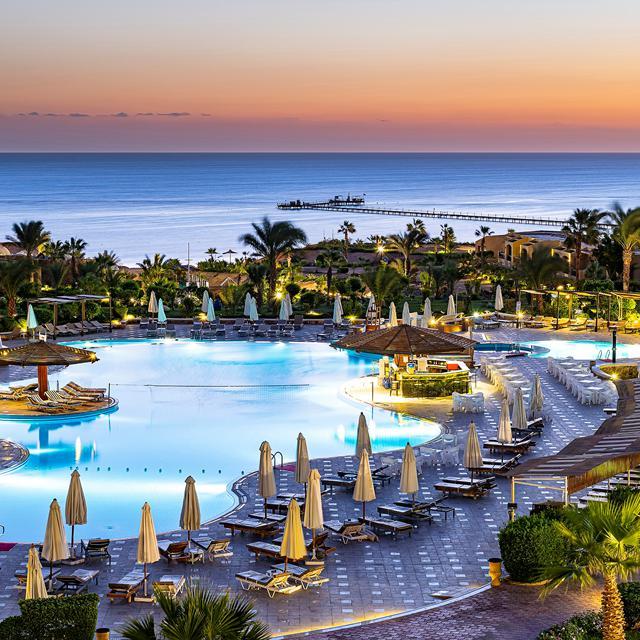 The Three Corners Fayrouz Plaza Beach Resort aanbieding